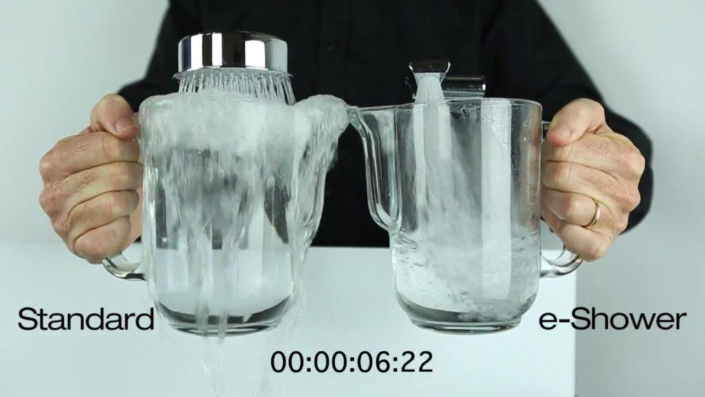 eShower Duschkopf und konventioneller Duschkopf im Vergleich